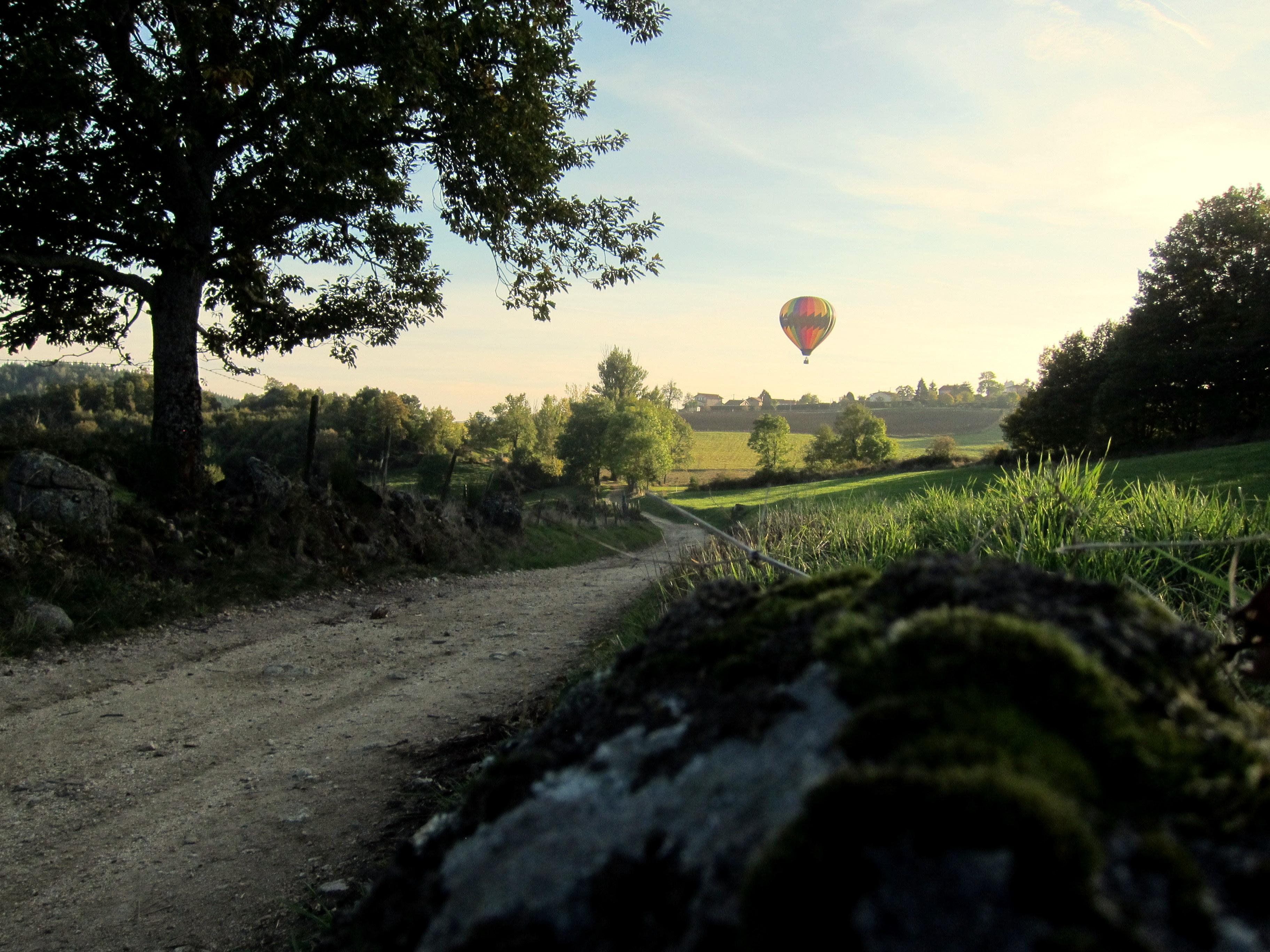 Le chemin de la montgolfiere
