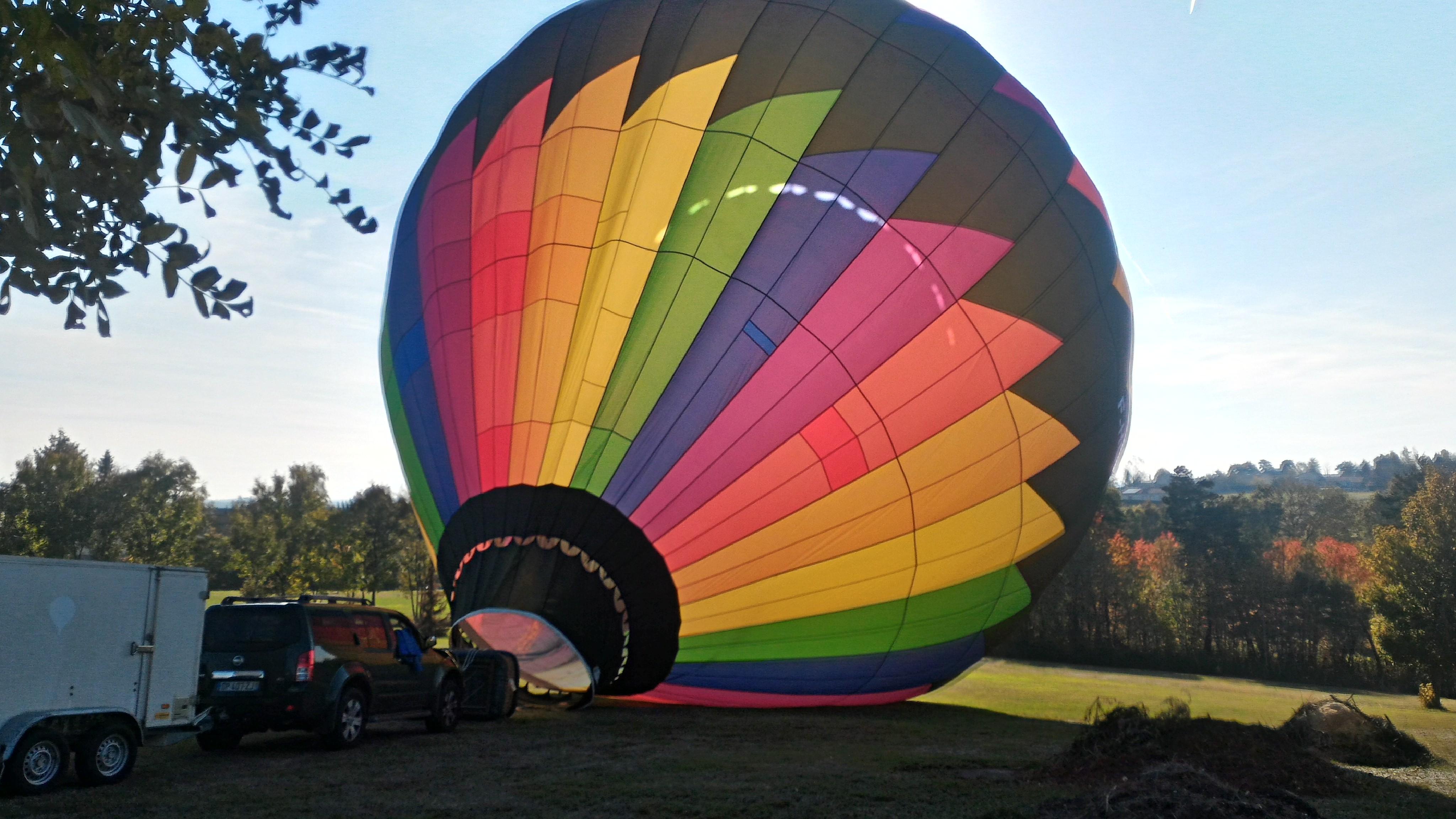 Gonflage de la montgolfière proche de lyon